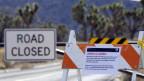 Geschlossene Strasse zur Keys View im Joshua Tree National Park in Kalifornien. Zurzeit sind alle Nationalpark-Besucherzentren geschlossen.
