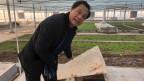 Li Yanrong betreibt die Kakerlakenfarm. Vor acht Jahren hat er mit der Zucht begonnen.