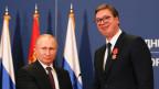 Der russische Präsident Vladimir Putin (links) und der serbische Präsident Aleksander Vucic.