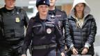 Anastasia Waschukewitsch (re.) wurde auf einem Moskauer Flughafen festgenommen.