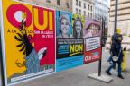 Abstimmungsplakate in Genf