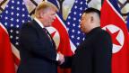 US-Präsident Donald Trump (links) und der nordkoreanische Machthaber Kim Jong in Hanoi am 27. Februar 2019.