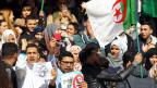 Studenten protestieren gegen eine fünfte Amtszeit von Präsident Abdelaziz Bouteflikas in Algier.