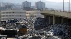 Abfallsäcke türmen sich in den Strassen Beiruts.