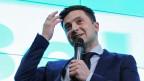 Der ukrainische Schauspieler und Comedian und der Präsidentschaftskandidat Wladimir Selenski gewinnt die Erste Runde der Wahl.