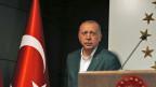 Der türkische Präsident Recep Tayyip Erdogan und seine Frau Emine Erdogan an einer Wahlkampfveranstaltung in Istanbul.