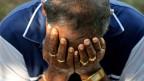 Trauer nach einer Reihe von Selbstmordattentaten auf Kirchen und Luxushotels auf Sri Lanka.