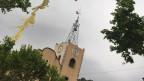 In Arenys de Munt weht selbst auf der Spitze des Kirchturms eine Katalonien-Flagge.