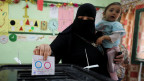 Eine Frau in einem Wahllokal in Kairo am 20. April 2019.