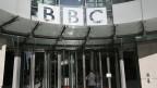 Vor dem BBC-Hauptgebäude in London.