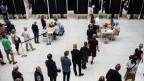 Leute gehen in Dänemark an die Abstimmungsurnen.