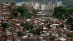 Blick auf Petare, einem Armenviertel der venezolanischen Hauptstadt Caracas.