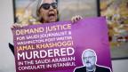 Eine Protestantin fordert Gerechtigkeit für den ermordeten Journalisten Jamal Khashoggi.