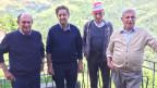 Gemeindepräsident Gavino Fiori (ganz links) und weitere Bewohner von Carvagna.