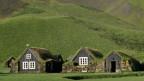 Torfhäuser mit Grasdächern in Island.