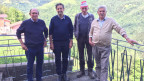 Der Italiener Adriano Fontana (zweiter von rechts) bezieht Sozialhilfe.