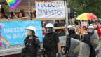 In Bia?ystok attackierten Hooligans eine Demonstration für LGBT-Rechte.