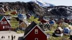 Blick auf die Stadt Upernavik in Grönland.