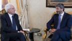 Präsident Sergio Mattarella (links) im Quirinale Palast trifft den Sprecher des Unterhauses Roberto Fico.