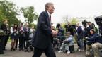 John Bolton vor Medienvertretern.