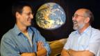 Die Schweizer Astronomen Didier Queloz (links) und Michel Mayor.
