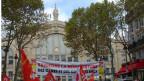 Demonstration vor dem Gare du Nord in Paris.