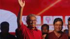 Sri Lankas ehemaliger Verteidigungsminister und Präsidentschaftskandidat Gotabaya Rajapaksa (links).