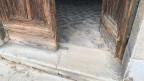 Der Hauseingang von Roberto D'Agostino in Venedig hat Schäden vom Hochwasser davongetragen.