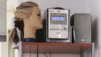 Ein Radiogerät in einem Coiffeur-Salon.