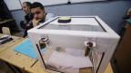In einem Wahllokal während der Präsidentschaftswahlen in Algier, Algerien, am 12. Dezember 2019.