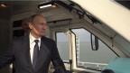 Der russische Präsident Vladimir Putin im Führerstand eines Zuges am 23.12.2019.