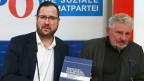 FPÖ-Generalsekretär Christian Hafenecker und der Koordinator der Historikerkommission Andreas Mölzer (rechts) am 23.12. 2019.