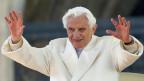 Papst Benedikt XVI bei seiner letzten Generalaudienz imFebruar 2013 im Vatikan.