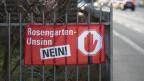 Ein Banner mit der Aufschrift «Rosengarten-Unsinn Nein» in Zürich Wipkingen am 20. Januar 2020.