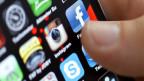 Soziale Medien wie Facebook gewinnen für die Meinungsbildung an Bedeutung in der Romandie