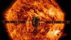 Die Raumsonde «Solar Orbiter» steuert auf die Sonne zu.