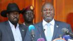 Der ehemalige Rebellenführer Riek Machar (rechts) und Präsident Salva Kiir Mayardit in Juba, Südsudan.