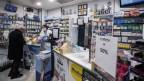 Kleines Geschäft in Italien bietet Rabatte an.