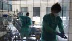Zimmer auf der Intensivstation im Spital Biel. Die geschlossenen Räume werden so belüftet, dass die Coronaviren nach aussen transportiert werden.