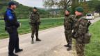 Gemeinsame Kontrolle der Grünen Grenze durch Grenzwächter und Soldaten in der Region Basel.