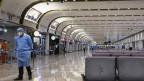 Leere Ankunftshalle am Flughafen in Peking.