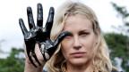 Schauspielerin Daryl Hanna protestiert 2007 in Ecuador gegen Ölverschmutzung.