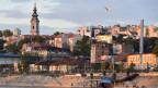 Ein Blick auf die Stadt Belgrad von der Save und der Donau aus.