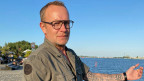 Ex-Blauhelm-Soldat Boudewijn Kok: «11. Juli never forget» hat er sich auf den Arm tätowieren lassen.