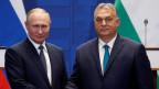 Der ungarische Premierminister Viktor Orban (re) und der russische Präsident nach einer Medienkonferenz bei ihrem Treffen in Budapest im Oktober 2019.