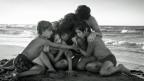 Der von Netflix produzierte Film «Roma» des Filmemachers Alfonso Cuaron erhält einen Oscar als bester ausländischer Film, die beste Regie und für die beste Kamera.