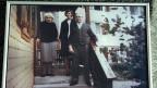 Eine Fotografie aus früheren Tagen zeigt Paul Grüninger mit Frau und Tochter beim Hauseingang in Au.