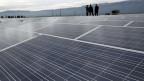 Solarpanels auf dem Dach der Palexpo in Genf.