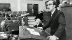 Bundesrat Kurt Furgler spricht am 23. Oktober 1972 im Europarat in Strassburg - als Vorsitzender der europäischen Justizministerkonferenz.