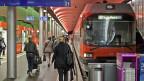 Unbestritten ist, dass das Schweizer Schiennenetz am Limit ist. Deshalb hat der Bundesrat einen Gegenvorschlag zur VCS-Initiative «Für den öffentlichen Verkehr» entworfen. Bild: RBS-Bahnhof in Bern.